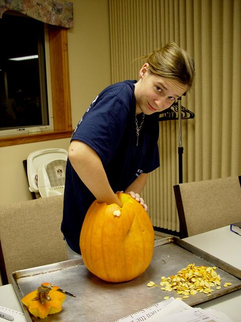 pumpkin-carving-010.JPG